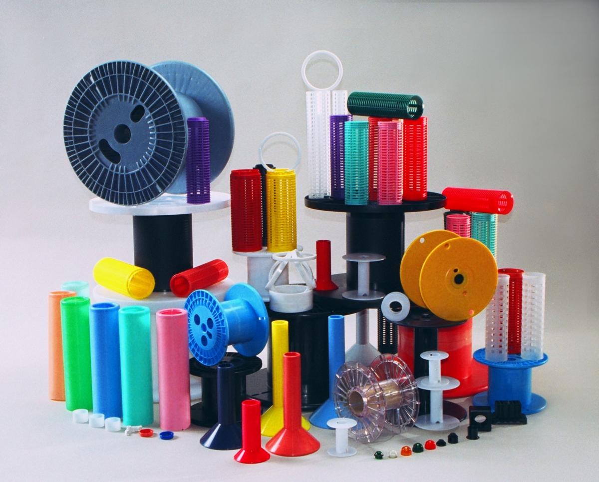 Como acontece o processo de injeção de peças plásticas